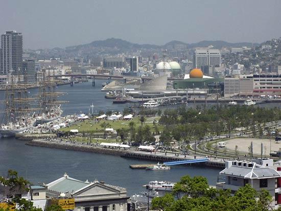 Découvrez la ville de Nagasaki (长崎) sur l'île de Kyushu au Japon.